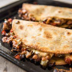 Quesadilla arrachera en restaurante mexicano rivas vaciamadrid